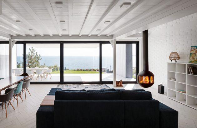 cheminée design centrale vitrée Agorafocus 630 en Ubraine
