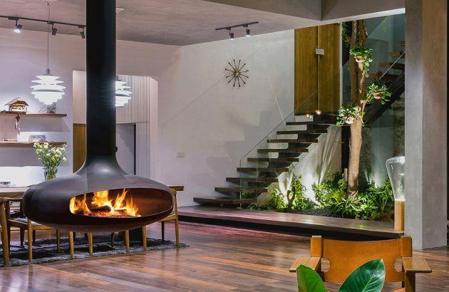cheminée design suspendue et pivotante à bois Domofocus